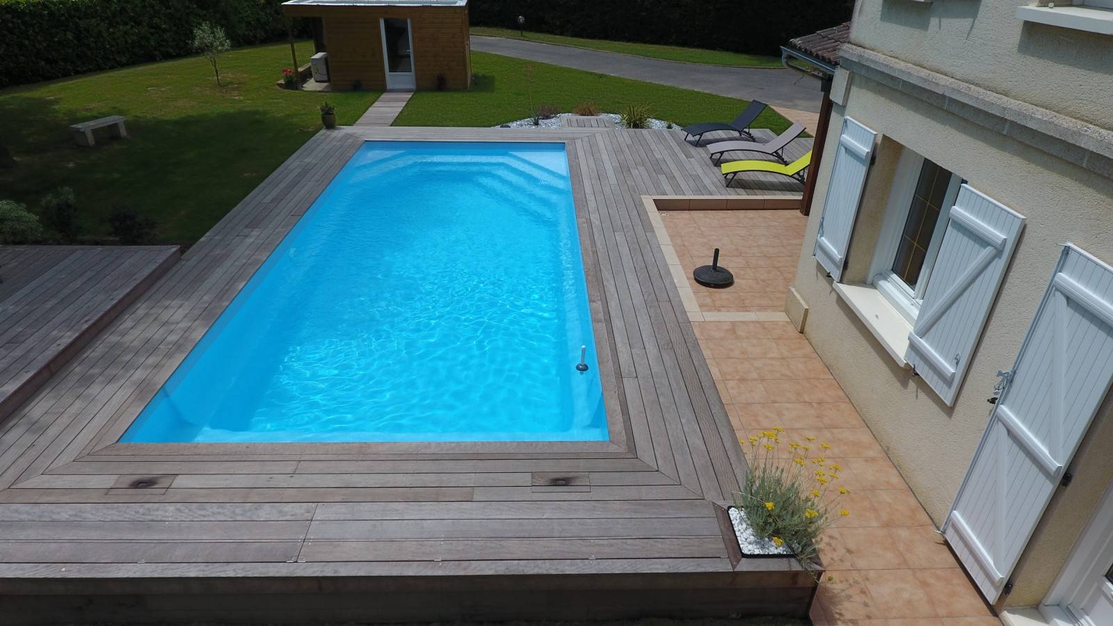Piscine rectangulaire alliance piscines celestine 10 for Piscine coque polyester grise