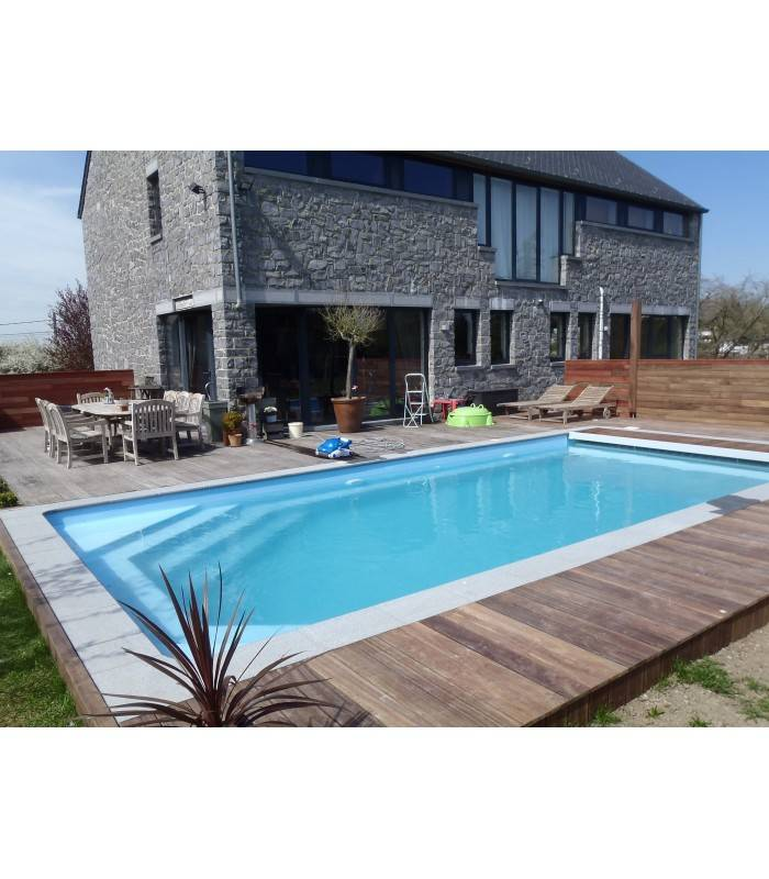 Piscine coque polyester rectangulaire fond plat mod le for Piscine coque fond plat