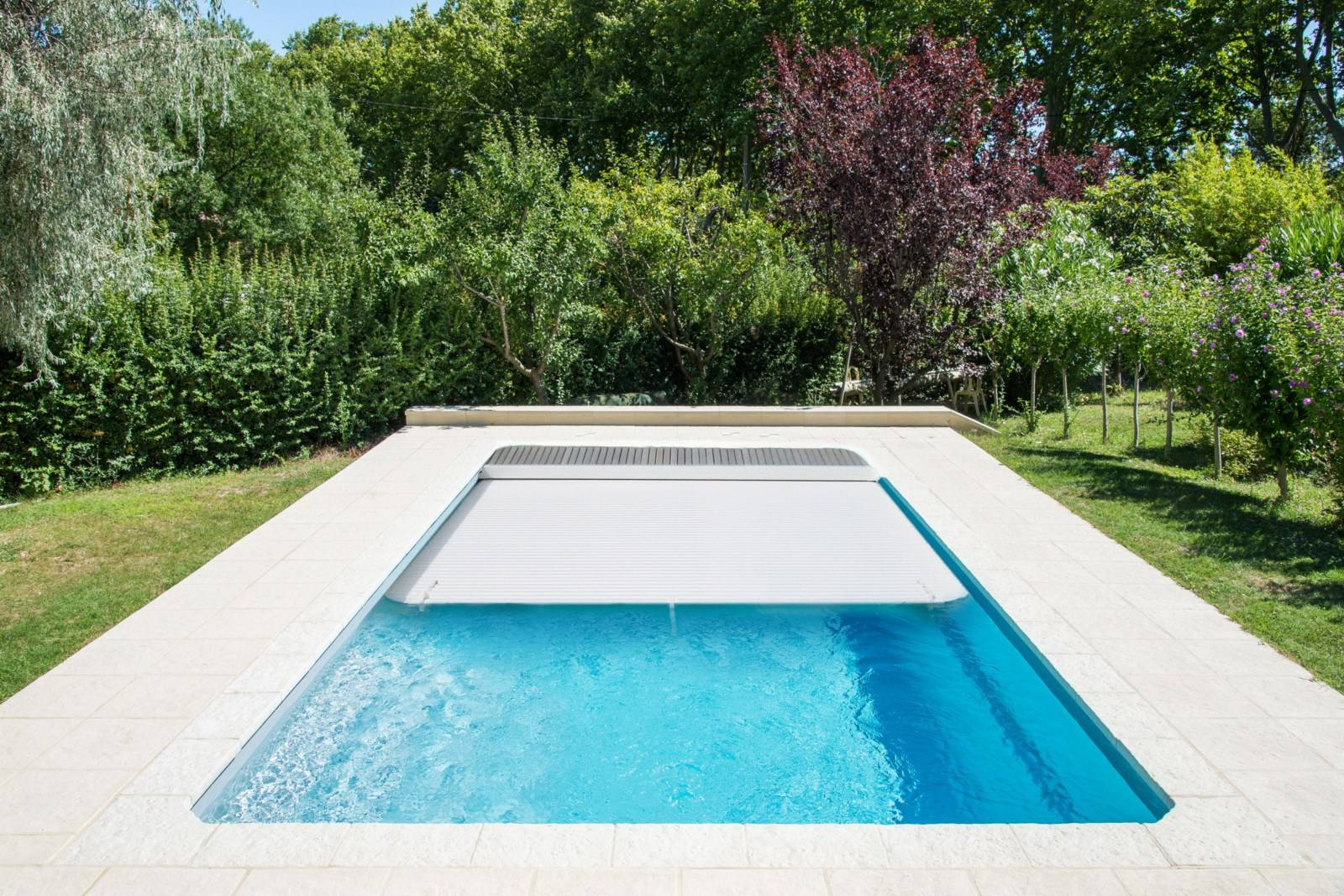 Le volet immerg pour s curiser votre piscine coque for Piscine alliance