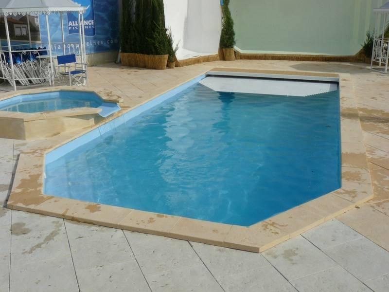 le volet immerg pour s curiser votre piscine coque polyester alliance piscines alliance piscines. Black Bedroom Furniture Sets. Home Design Ideas