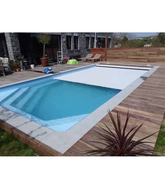 Le volet immerg pour s curiser votre piscine coque for Piscine celestine 7