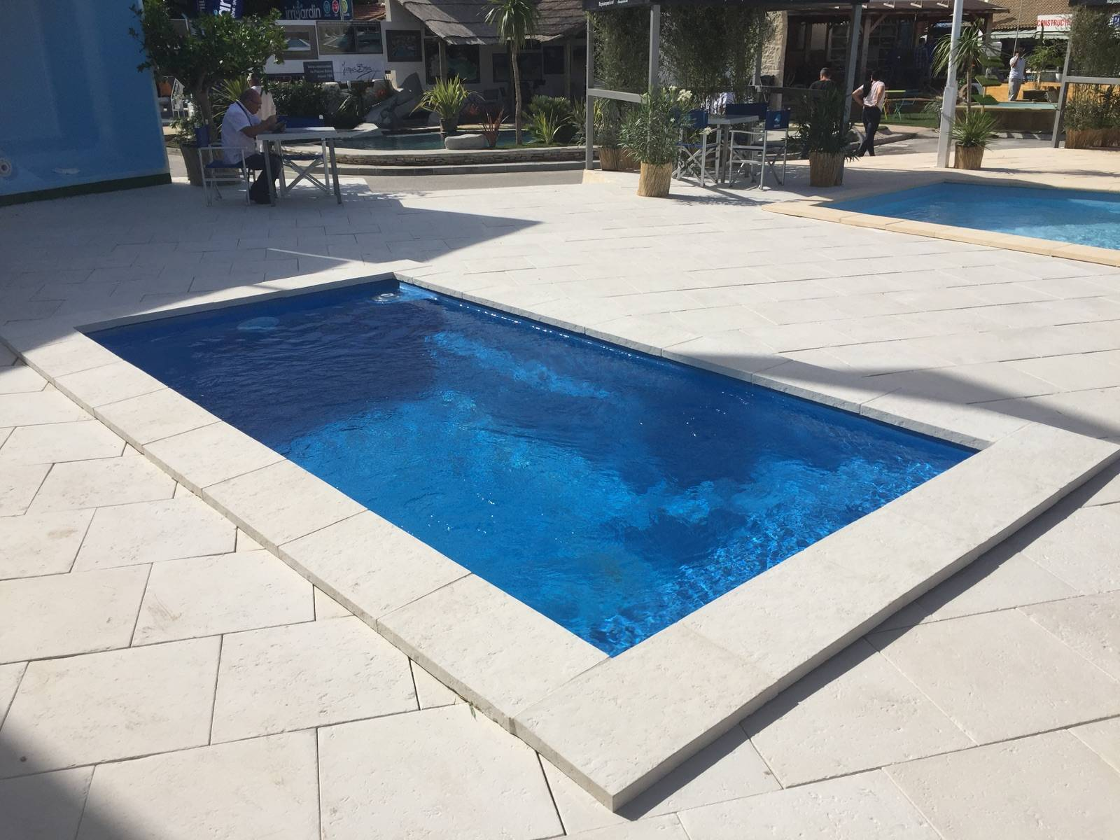 Petite piscine de moins de 10 m coque polyester alliance for Accessoire piscine 62