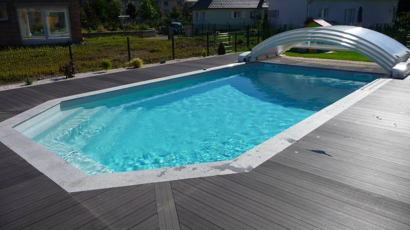 Piscine coque polyster alliance piscines mod le tanzanite for Piscine coque blanche